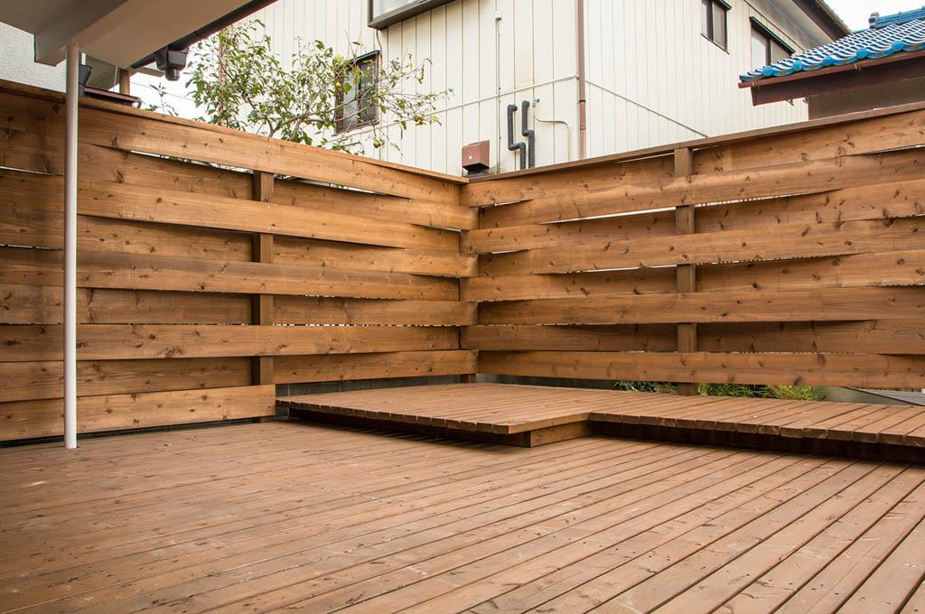 Parapetti e ringhiere in legno a belluno falegnameria marcon - Ringhiere in legno per esterni ...